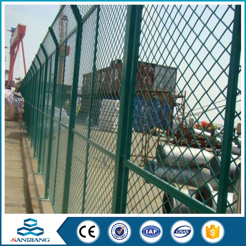 galvanized 3d triangle bending wire spear top metal fence
